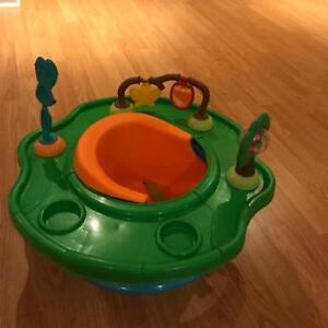 Baby feeder/play seat