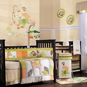 Great Condition- crib bedding set
