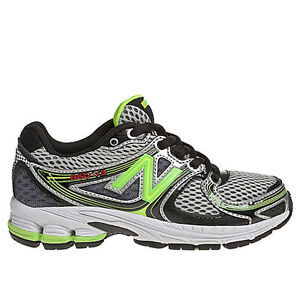 Boys Youth Size 13.5 ~ New Balance 860 Running Shoes