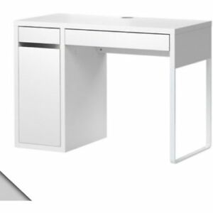 SELLING MY IKEA MICKE DESK, IN GREAT CONDITION.