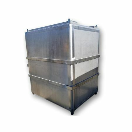 Used 1,260 Gallon Stainless Steel Tank