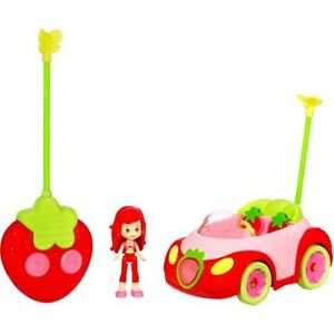 Fun Fun Strawberry Shortcake Remote Control Cruiser MINT!