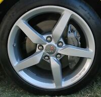 2014 corvette factory rims. 4 kms on them.