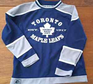 Youth Toronto Maple Leaf Jersey  - Size M 10-12