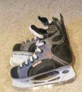 youth skates Easton size 12 Kitchener / Waterloo Kitchener Area image 1