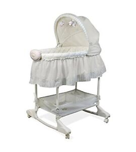 Baby Bassinet (good condition)!!