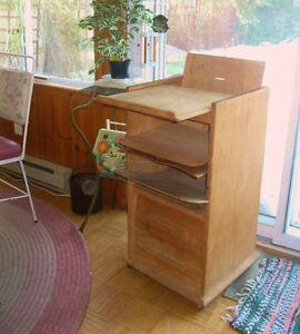 Chaise Haute Antique Faite a la Main