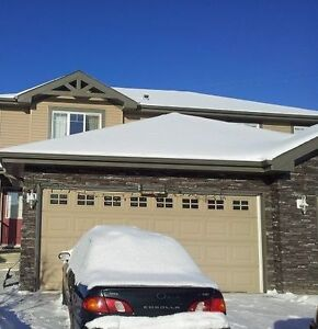 3 Bed House, Double Garage, Pet friendly, Fenced, South side