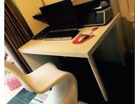 Ikea white desk £15ono L-105cm W-78cm H-74cm