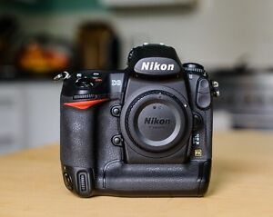 Nikon d3 with dual charger