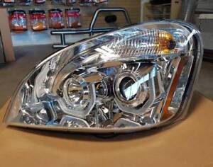 Freightliner Cascadia Performance Chrome Headlight With Projecto