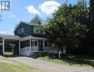 Beautiful Family Sized Home in Elliot Lake at a Great Price!