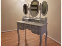 DRESSING TABLE. WHITE. WITH STOOL.