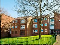 3 bedroom flat in Smallbridge, Rochdale, Smallbridge, Rochdale, OL12