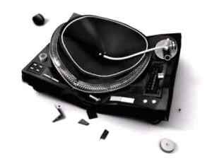 Wanted old broken turntables......