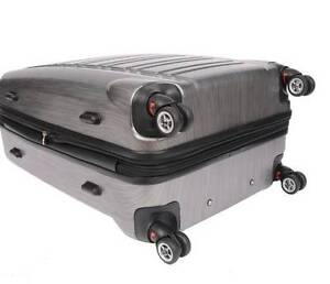 """Air Canada 28"""" Spinner Hardside Suitcase Campbell River Comox Valley Area image 3"""