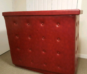 Retro Red Leather Bar