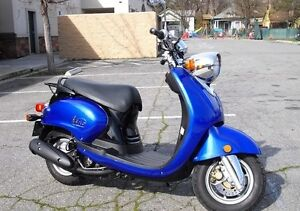 2006 Yamaha Vino - 125cc scooter - great condition