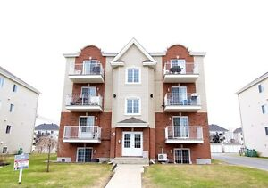 Beautiful Condo for Sale in the heart of Vaudreuil!
