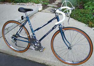 Vintage LeCircuit 10-Speed Racer   Swell Canadian-made 10-speed