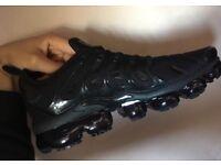 Nike Air Vapormax Plus TN Tuned Triple Black Mens UK Trainers BNIB
