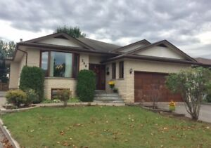 OPEN HOUSE** SUNDAY OCT 29TH, 1-2:30     269 Cascade Crescent