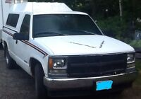Chev pick up truck with electronic lift gate