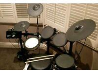 Yamaha DTX522K Digital Drum Kit kit & Extras