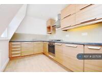 1 bedroom flat in Ravenswood Road, London, SW12 (1 bed)
