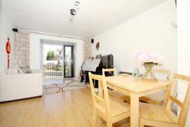 2 Bedroom Apartment to Rent - Docklands - E14 - Canary Wharf - JE