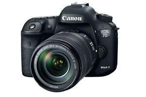 Canon EOS 7D Mark II EF-S 18-135mm IS USM Lens Kit neuf ds boite
