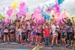 VOLUNTEER FOR MONTREAL'S RADEST EVENT AT THE COLOR ME RAD RACE