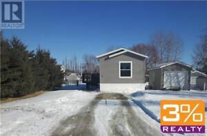 R36//Neepawa/This mobile home is over 1200 sq. Ft ~ by 3% Realty