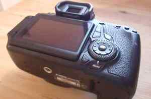Canon 60D dslr Camera with 3 inch LCD screen + battery + strap Kingston Kingston Area image 2