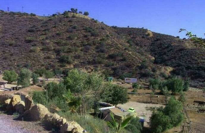 Agua Dulce, CA HILLSIDE acreage near HORSE ranches, $52K assessed value! HBW!
