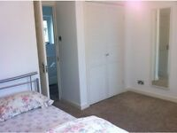 Large Double Room In Clapham Common To Rent,All Bills Inc,Only 1 month deposit,£800 PCM-Females Only