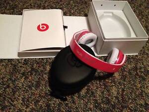 Hot-Pink-Monster-Beats-by-Dr-Dre-studio-headphones-head-phones
