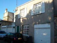 Lovely 3 double bed student in Clifton backwater with private garden