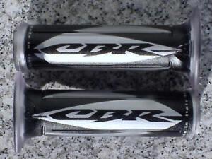 Honda CBR 250 300 500 600 F3 F4i 600RR 1000 RR 1000RR SILVER GEL LOGO HAND GRIPS
