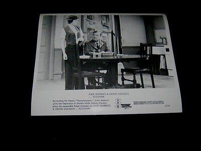 Original JULIE ANDREWS & JACKIE GLEASON  HOW SWEET IT IS Press Kit Photo #2