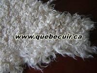 Tapis peau de angora. Angora goat rug.Soft and shiny genuine rug