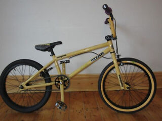 Mongoose Program BMX bike - Great Condition Full Working Order