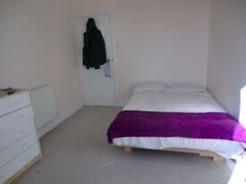 Huge room in Limehouse! 2 stops from Bank!
