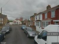 2 bedroom flat in Nicholes Road, Hounslow, TW3 (2 bed)