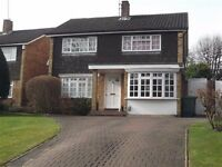 4 bedroom detached house in Bushey Heath