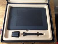 Intuos 5 Small Graphics Tablet & Wireless Accessory Kit