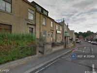 3 bedroom house in Blacker Road, Huddersfield, HD1 (3 bed)