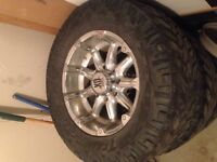 "Selling 18"" rims XDseries an 31"" tires full set"