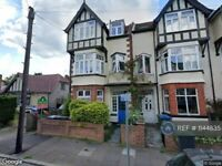 1 bedroom flat in Guilford Avenue, Surbiton, KT5 (1 bed) (#1144835)