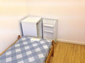 Basement Clean & Tidy Single Room available - all bill inclusive - only £90 per week